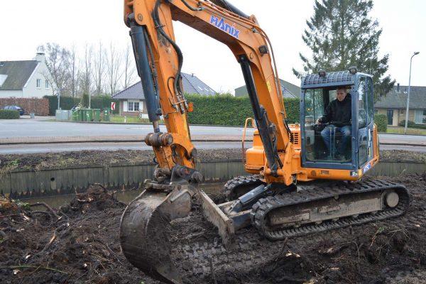 SouverijnWerk - Egaliseren, Leveren grond, Ophogen en Uitgraven